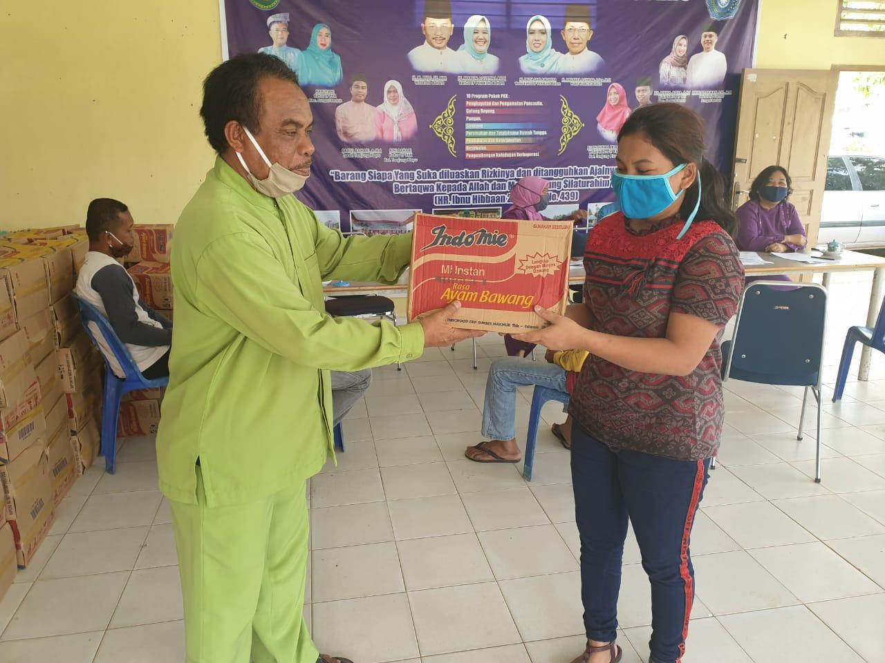 Pendistribusian Sembako Terdampak COVID-19 Tahap ke 2 di Kelurahan Tanjung Piayu, Jumat (05/06/2020)