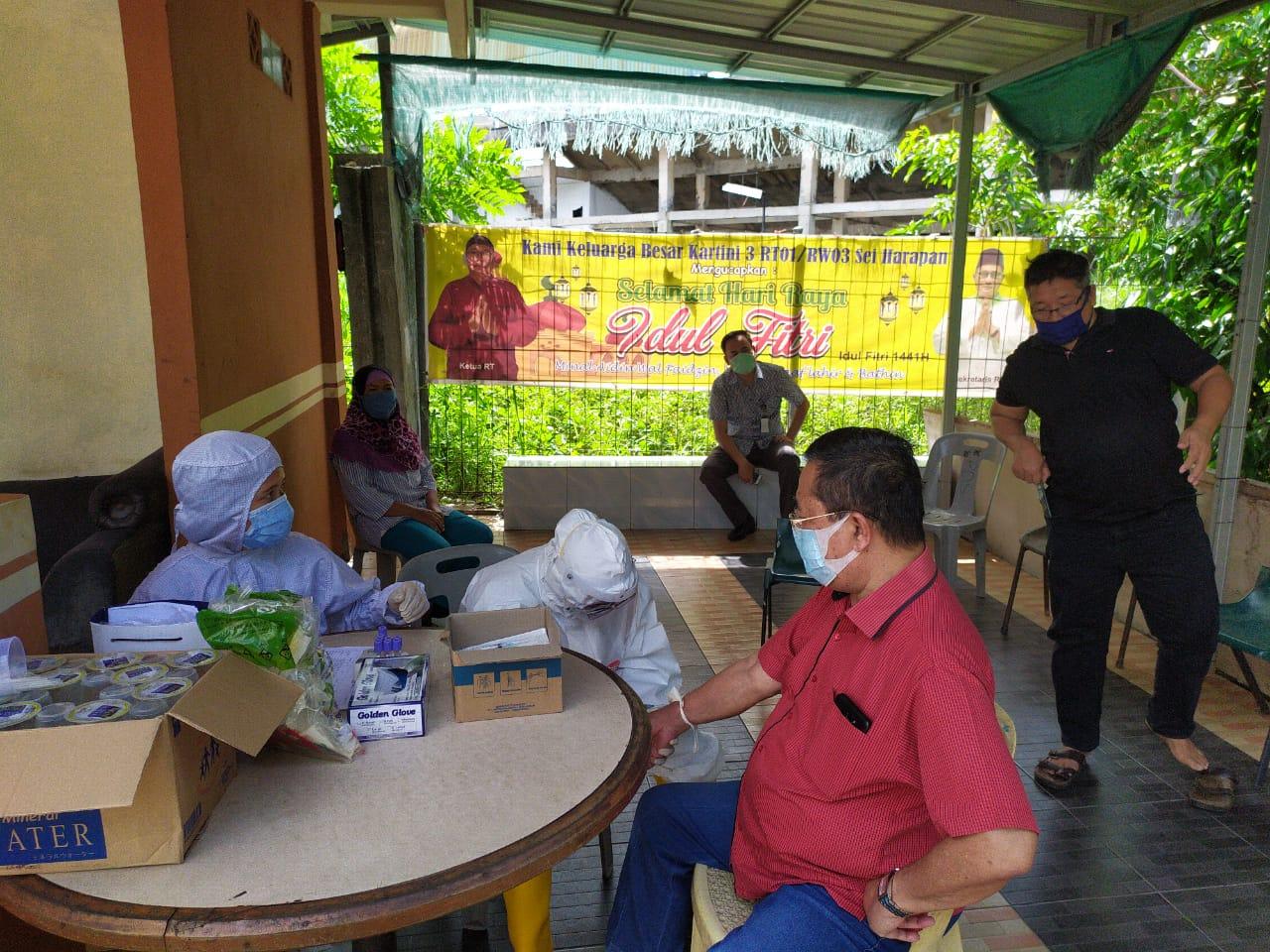 Kegiatan Penyisiran dan Rapid Test Satgas Penanganan COVID-19 Kecamatan Sekupang Bersama Puskesmas Sekupang, Kamis (04/06/2020)